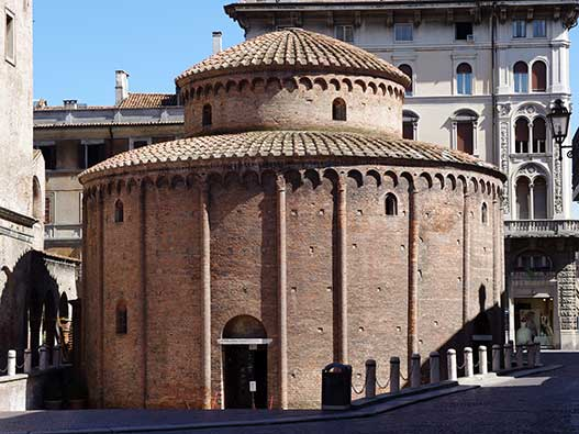 Mantova-rotonda-san-lorenzo