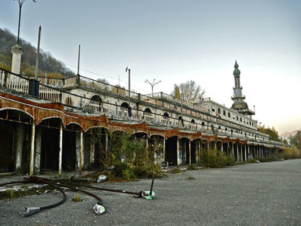 Consonno: una città fantasma in Lombardia