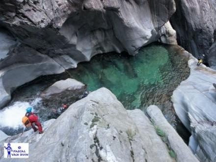 Canyoning Val Bodengo: su e giù per i torrenti