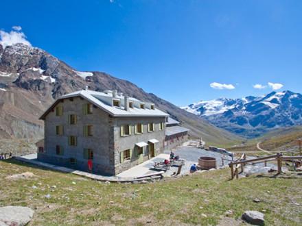 Escursione al Rifugio Pizzini e al Passo Zebrù - Trekking Valtellina