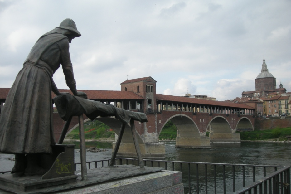 La statua della lavandaia