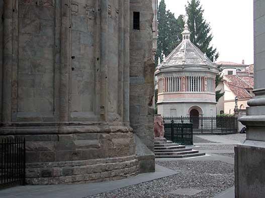 Battistero del Duomo di Bergamo - Gite in Lombardia