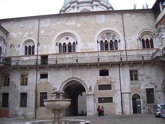 Brescia-broletto