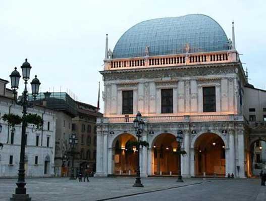 Brescia-piazza-loggia