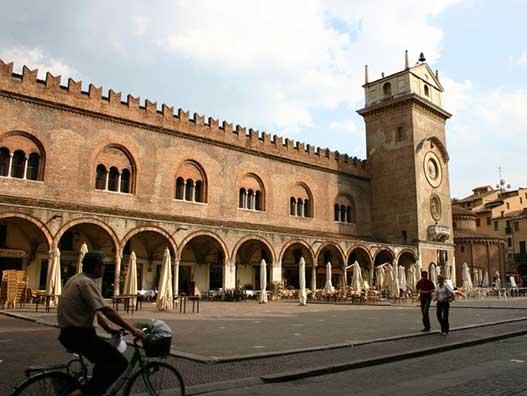 Mantova-palazzo-ragione