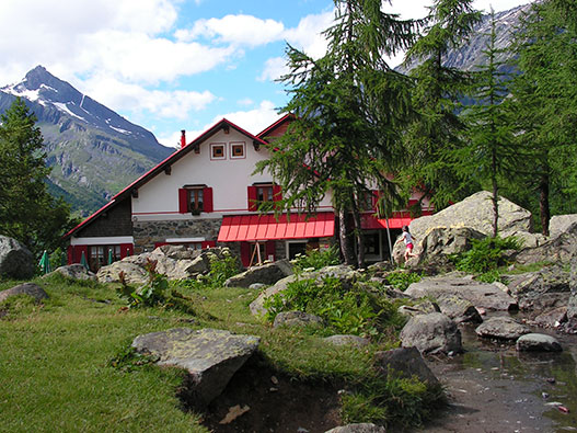 Passeggiata al Rifugio Gerli Porro- Trekking a Sondrio e dintorni
