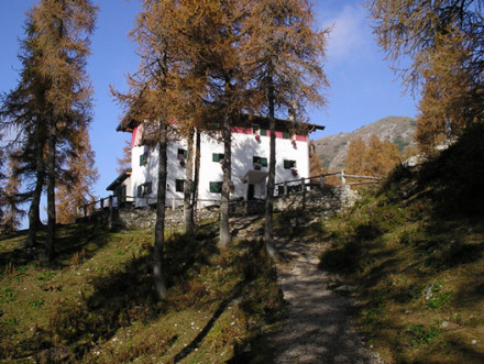 Passeggiata in montagna al Rifugio Bogani