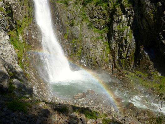 Visitiamo la Cascata Troggia e immergiamoci nella natura!